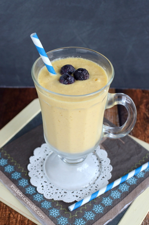 Coconut-Mango-Smoothie-2