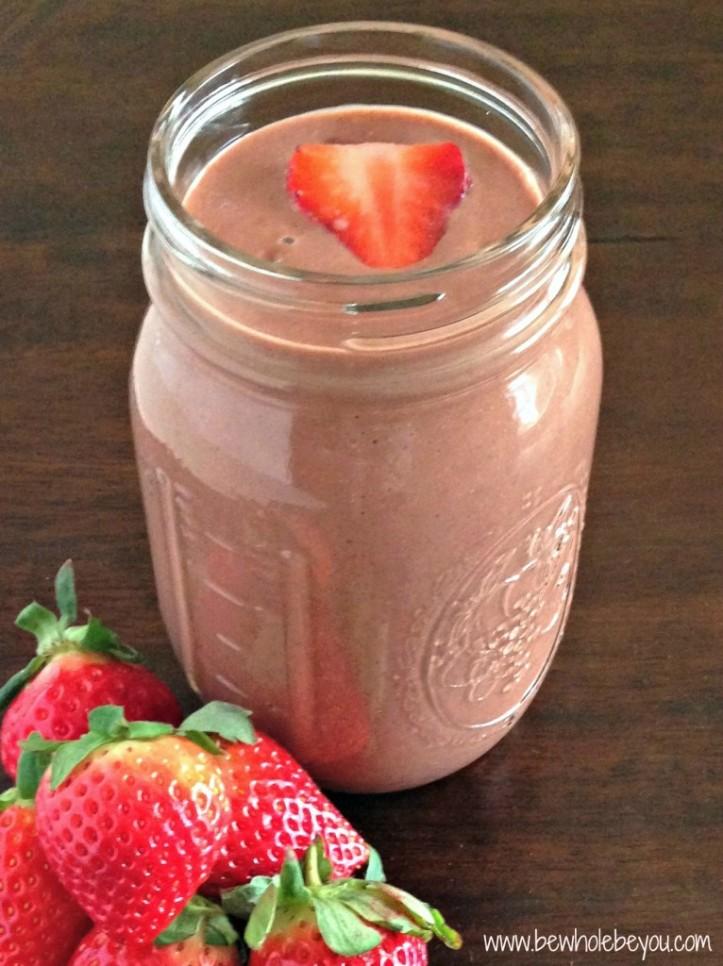 Strawberry-Chocolate-Smoothie-5-766x1024